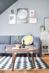 Living room styling for small apartments, via Happy Interior Blog